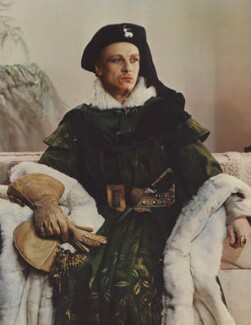 John Gielgud as Richard II in 'Richard of Bordeaux', by Madame Yevonde - NPG x11659