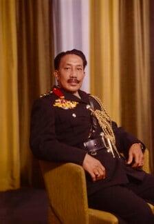 Sir Muda Omar 'Ali Saifuddien Sa'adul Khairi Waddien, Sultan of Brunei, by Bassano Ltd - NPG x176923