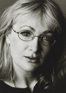 Caroline Aherne, by Trevor Leighton, 1999 - NPG x88390 - © Trevor Leighton / National Portrait Gallery, London
