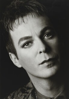Julian Clary, by Trevor Leighton, 1998 - NPG x88392 - © Trevor Leighton / National Portrait Gallery, London