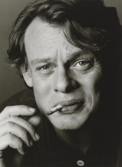 Martin Clunes, by Trevor Leighton, 1998 - NPG  - © Trevor Leighton / National Portrait Gallery, London