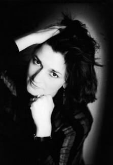Marina Warner, by Jillian Edelstein - NPG x34151