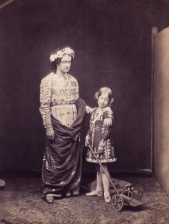 Charles John Kean; Ellen Terry as Leontes and Mamillius in 'The Winter's Tale', by Martin Laroche (William Henry Silvester), 26 April 1856 - NPG  - © National Portrait Gallery, London