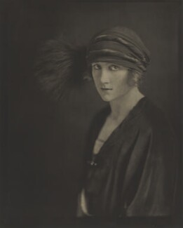 Fay Compton, by Howard Instead - NPG Ax24982