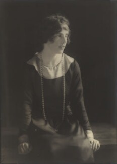 Lady Doris Vyner (née Gordon-Lennox), by Howard Instead - NPG Ax25000