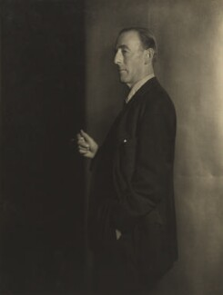 John Edward Bernard Seely, 1st Baron Mottistone, by Howard Coster - NPG Ax3496