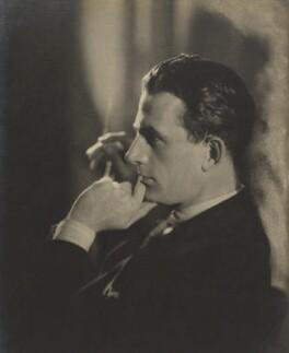 Hugh Sinclair, by Howard Coster - NPG Ax3506