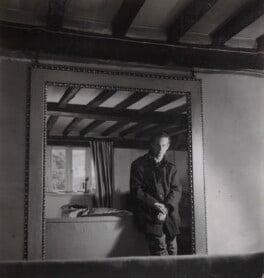 Graham Sutherland, by Francis Goodman, 1946 - NPG Ax39622 - © National Portrait Gallery, London