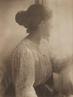 Sylvia Jocelyn Llewelyn Davies (née Du Maurier), by J.M. Barrie - NPG Ax45617