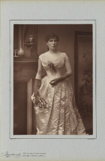 Helen Mathers (Helen Buckingham Reeves, née Mathews), by Herbert Rose Barraud, published by  Richard Bentley & Son - NPG Ax5425