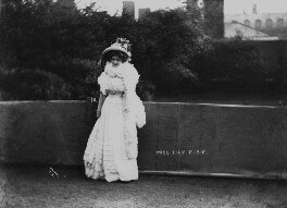 Lily Elsie, by Mrs Albert Broom (Christina Livingston) - NPG x1092