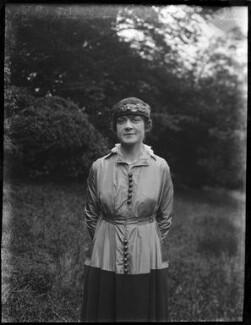 Ethel Hook (Bertha Beatrice Butt), by Mrs Albert Broom (Christina Livingston) - NPG x1117
