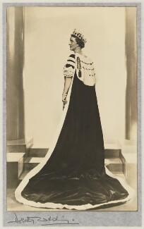 Nancy Astor, Viscountess Astor, by Dorothy Wilding - NPG x13692