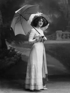Dame (Esmerelda) Cicely Courtneidge, by Bassano Ltd - NPG x19182