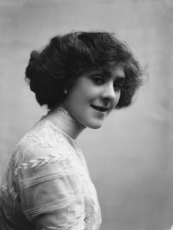 Dame (Esmerelda) Cicely Courtneidge, by Bassano Ltd - NPG x19186