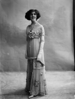 Dame (Esmerelda) Cicely Courtneidge, by Bassano Ltd - NPG x19190