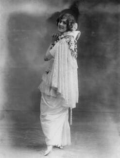 Dame (Esmerelda) Cicely Courtneidge, by Bassano Ltd - NPG x19284