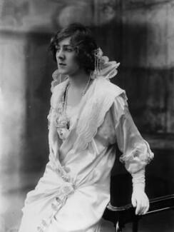 Dame (Esmerelda) Cicely Courtneidge, by Bassano Ltd - NPG x19287