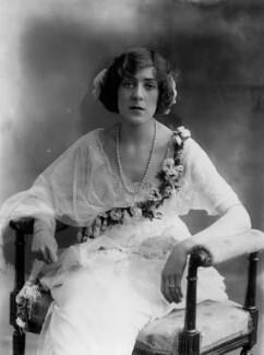 Dame (Esmerelda) Cicely Courtneidge, by Bassano Ltd - NPG x19288