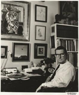 Roland Penrose, by Mark Gerson, 1966 - NPG x20437 - © Mark Gerson / National Portrait Gallery, London