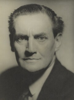 Henry Hinchliffe Ainley, by Howard Coster, 1929 - NPG Ax2282 - © National Portrait Gallery, London