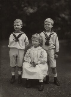 King George VI; Princess Mary, Countess of Harewood; Prince Edward, Duke of Windsor (King Edward VIII), by Elliott & Fry, 1901 - NPG x26026 - © National Portrait Gallery, London
