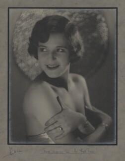 Edna Davies, by Frank Davis - NPG x26079