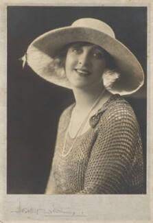Violet Loraine, by Dorothy Wilding - NPG x26408