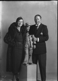 Sally Pearson (née Cooper); Sir Gerald Du Maurier; Dame Gladys Cooper, by Bassano Ltd - NPG x26775