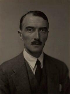 Dornford Yates (Cecil William Mercer), by E.O. Hoppé - NPG x27145