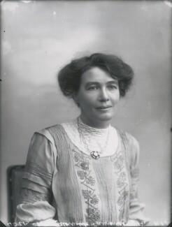 Emmeline Pethick-Lawrence, by Bassano Ltd, 28 October 1910 - NPG x28361 - © National Portrait Gallery, London