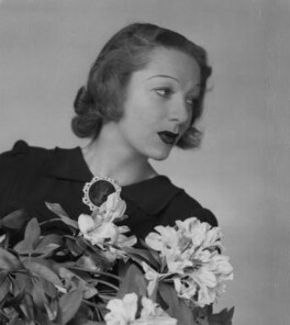 Gertrude Lawrence, by Dorothy Wilding - NPG x29457