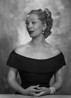 Gertrude Lawrence, by Dorothy Wilding - NPG x29478