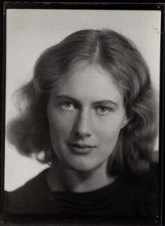 Ann Davies Synge (née Stephen), by Ramsey & Muspratt, 1937 - NPG x31090 - © Peter Lofts Photography / National Portrait Gallery, London