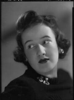 Pamela Margaret Elizabeth Berry (née Smith), Lady Hartwell, by Bassano Ltd - NPG x31251