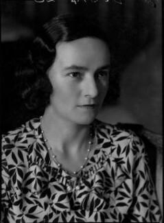 Eileen Laura Sargent (née Harding Horne), by Bassano Ltd - NPG x31373