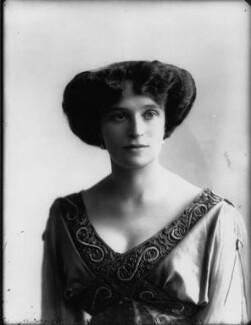 Olive Crofton (née Schneider), Lady Smith-Dorrien, by Bassano Ltd - NPG x33131