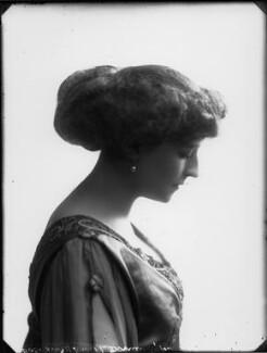Olive Crofton (née Schneider), Lady Smith-Dorrien, by Bassano Ltd - NPG x33132