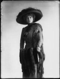 Olive Crofton (née Schneider), Lady Smith-Dorrien, by Bassano Ltd - NPG x33134