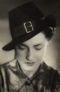 Kate Edwardes, by E.O. Hoppé - NPG x33565