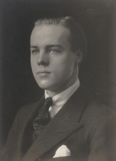 Esmond Cecil Harmsworth, 2nd Viscount Rothermere, by Walter Stoneman - NPG x33961