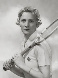 Helen Hull Jacobs, by Dorothy Wilding, 1935 - NPG x34336 - © William Hustler and Georgina Hustler / National Portrait Gallery, London