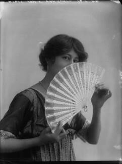 Violet Vanbrugh (Violet Augusta Mary Barnes), by Bassano Ltd - NPG x34383