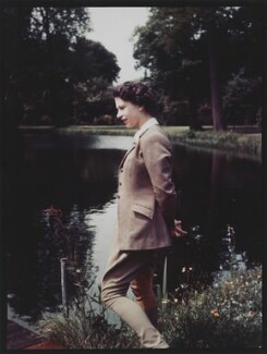 Queen Elizabeth II, by Studio Lisa (Lisa Sheridan) - NPG x35389