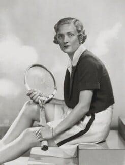 Helen Hull Jacobs, by Dorothy Wilding, 1935 - NPG x35412 - © William Hustler and Georgina Hustler / National Portrait Gallery, London