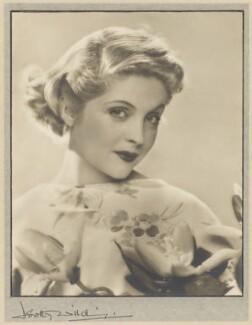 Dorothy Hyson, by Dorothy Wilding - NPG x36049