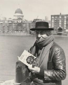Robert Graves, by Central Press - NPG x36145