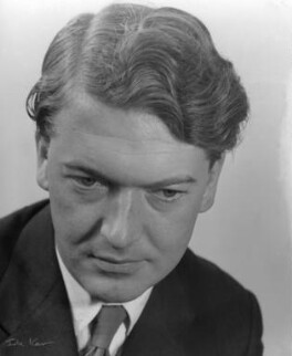 Kingsley Amis, by Ida Kar, late 1950s - NPG x88538 - © National Portrait Gallery, London