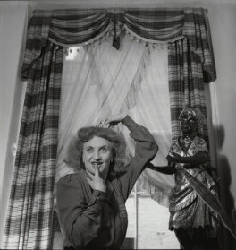 Hermione Gingold, by Francis Goodman, 1 October 1945 - NPG x39470 - © National Portrait Gallery, London