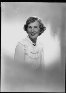 Helen Breen Arnold (née Moore), by Lenare, 14 October 1949 - NPG x3996 - © National Portrait Gallery, London